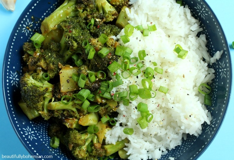 overhead picture of gluten free broccoli in garlic sauce