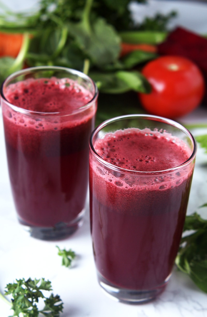 Get healthy this year with homemade V8 juice, and not processed poison! Takes only 5 minutes to prepare, and is 100% customizable to fit your dietary needs. Includes options for those following a low-histamine diet + avoiding nightshades. #v8 #homemadev8juicerecipe #juicingrecipes #juicerecipes #juicerecipeshealthy #juicerecipesdetox #bohemianvegankitchen