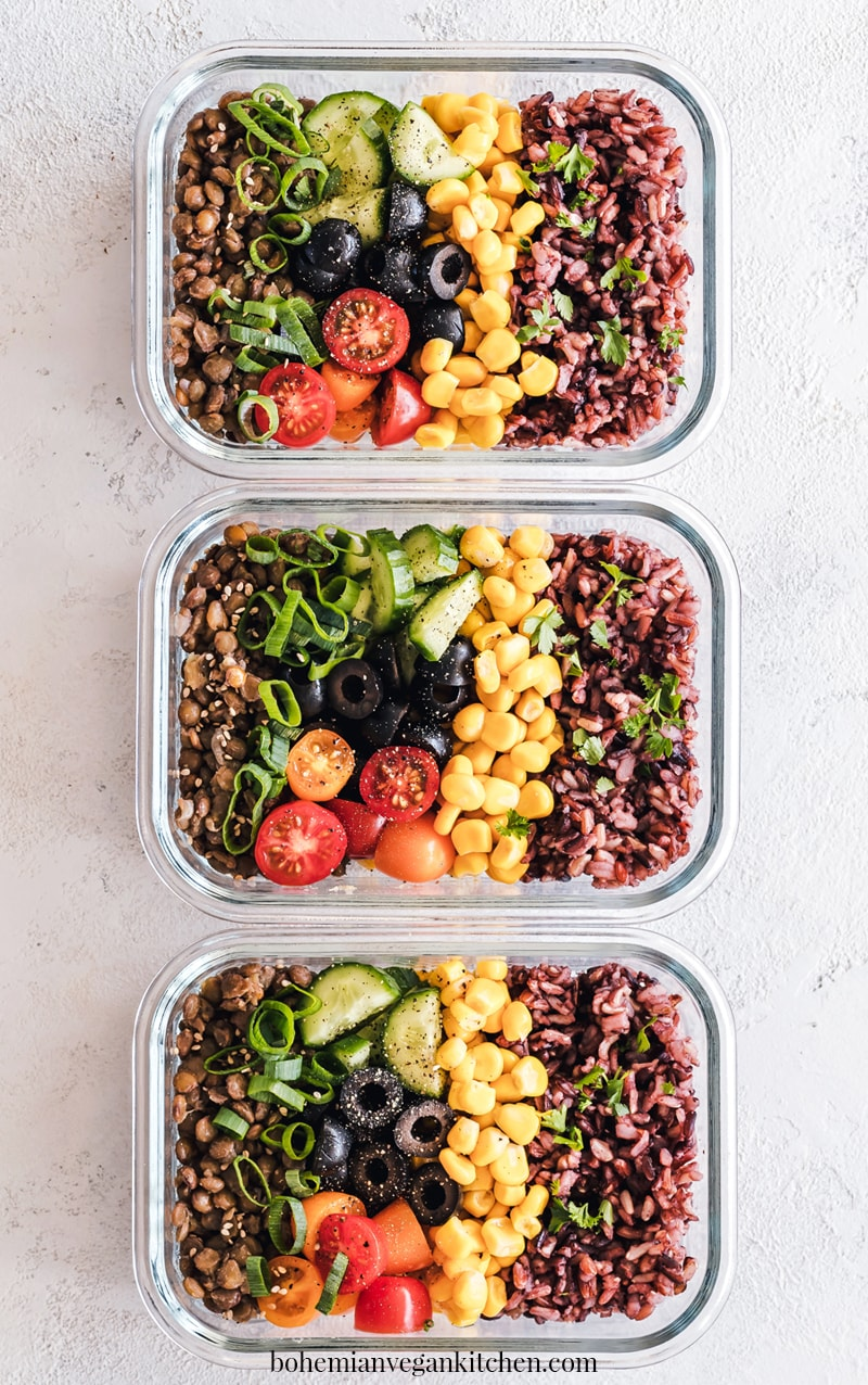 Here are a few tips that I have for parents wanting to pack a healthy vegan lunches for their little ones, beyond the brown bag special of PB+J. #healthyveganlunches #healthyveganlunchesforschool #healthyveganlunchesforkids #veganlunchesforkids #veganmealpreplunch #veganmealprepfortheweek #bohemianvegankitchen
