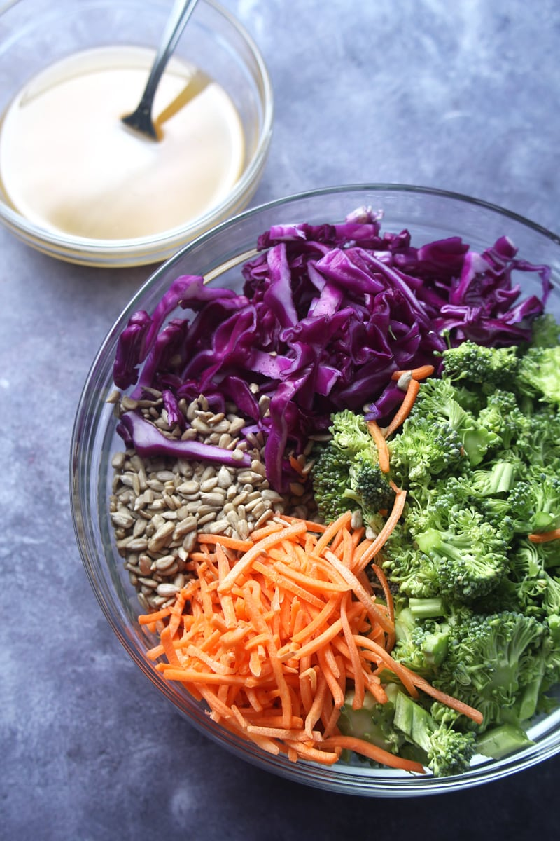 Start the week off right with this DELICIOUSLY SUGAR-FREE vegan broccoli salad, which takes only 15 minutes from start to finish! Perfect for healthy to-go lunches or a post workout snack, this detox salad will make you feel awesome! #vegandetoxsaladrecipes #vegandetoxsalad #veganbroccolisalad #veganbroccolisaladhealthy #easyveganlunch #easyveganlunchhealthy #bohemianvegankitchen