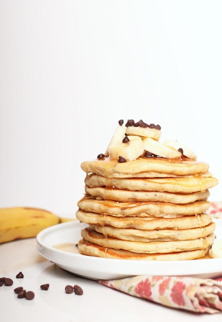 Looking for a way to use your ripe and overripe bananas? Check out this list of 20 amazing vegan banana recipes and monkey around in the kitchen! #veganbananarecipes #veganbananarecipeshealthy #veganbananarecipeseasy #veganbananarecipesglutenfree #veganbananarecipesoverripe #bohemianvegankitchen
