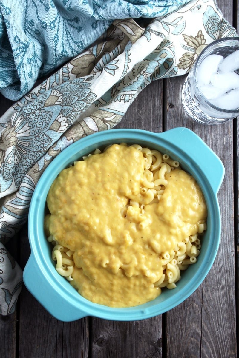 picture of cheese sauce poured on top of macaroni