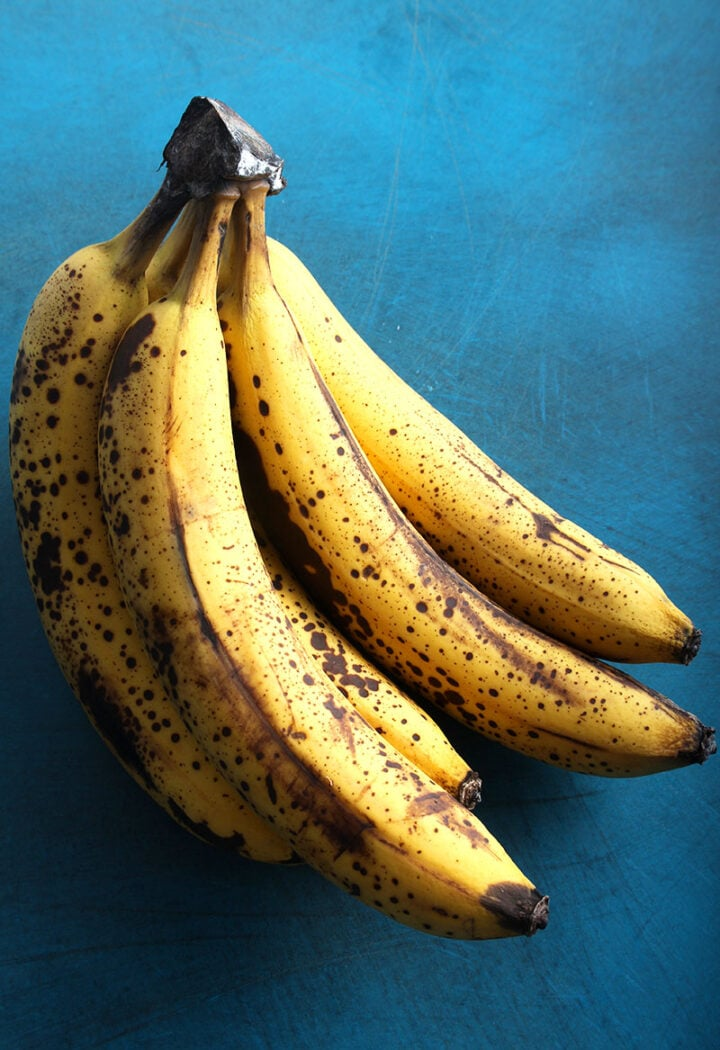 picture of ripe bananas
