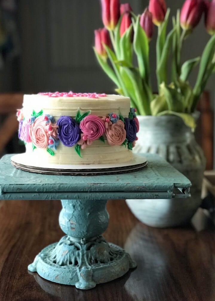 yummy cake for a vegan birthday party
